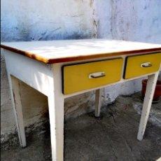Vintage: MESA DE COCINA VINTAGE. Lote 172667310