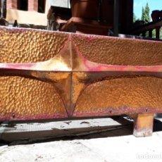 Vintage: GIGANTESCO MACETERO VINTAGE AÑOS 50 COBRE ORIGINAL MID CENTURY USA ALTA DECORACIÓN ESCULTURA. Lote 277677753