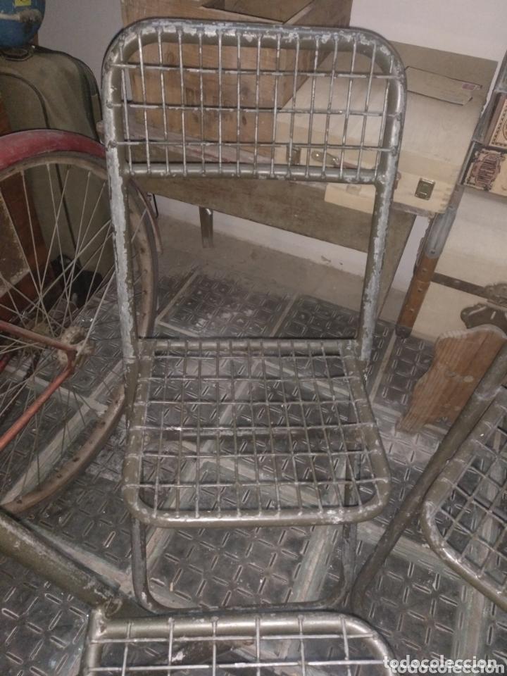 Vintage: Lote sillas militares industriales hierro - Foto 2 - 252279330