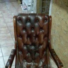 Vintage: ANTIGUA SILLA MECEDORA DE PIEL. Lote 173972808