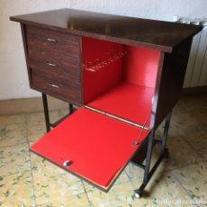 Vintage: MUEBLE BAR VINTAGE MUY RETRO AÑOS 60. Lote 175300099