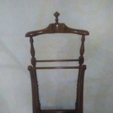 Vintage: GALAN DE NOCHE EN MADERA DE HAYA 47 X 115 X 29 VINTAGE. Lote 176567430