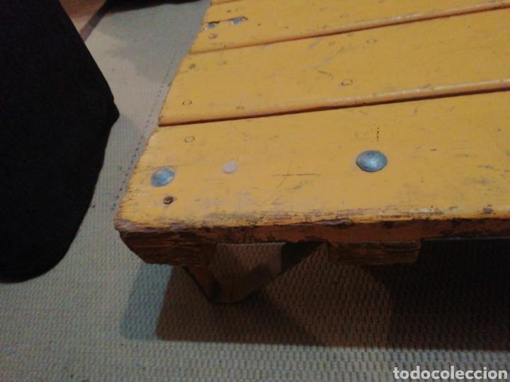 Vintage: Mesa de madera ruedas - Foto 3 - 176791399