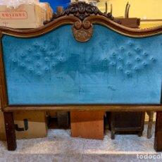 Vintage: ESPECTACULAR ANTIGUO CABEZAL DE CAMA CON EL FRONTAL EN TERCIOPELO EN CAPITONÉ. Lote 177954073