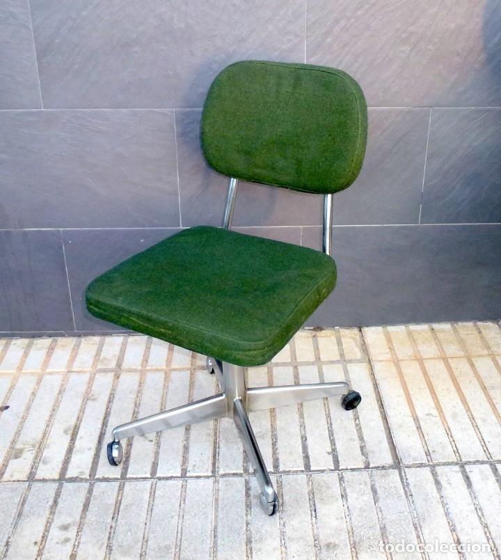 Vintage: 5 sillas de oficina,una de ellas regulable en altura - Foto 2 - 178068637