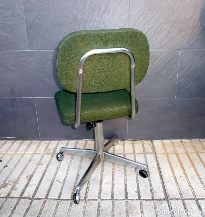 Vintage: 5 sillas de oficina,una de ellas regulable en altura - Foto 3 - 178068637