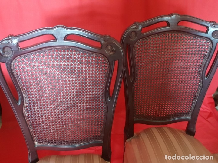 Vintage: Juego de seis sillas en tono rojizo con respaldo de rejilla. - Foto 3 - 179185056