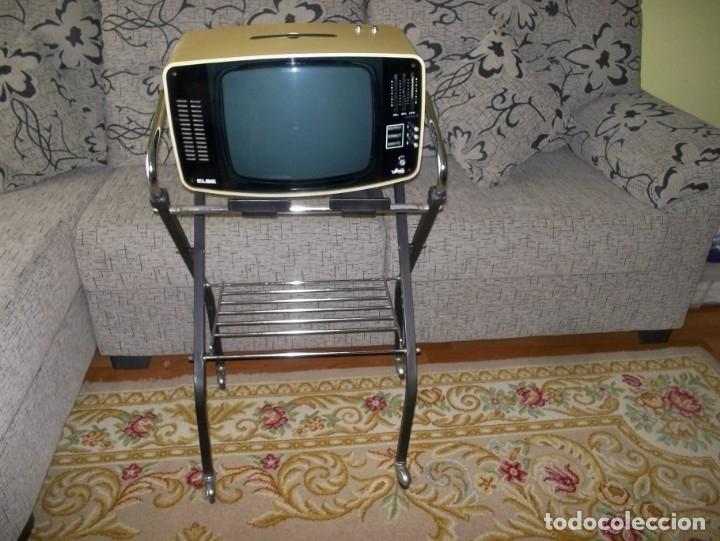 Mesa De Television Con Ruedas Vintage Años 70 Comprar Muebles Vintage En Todocoleccion 182433706