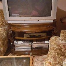Vintage: MUEBLE DE TV TALLADO A MANO. Lote 189166546