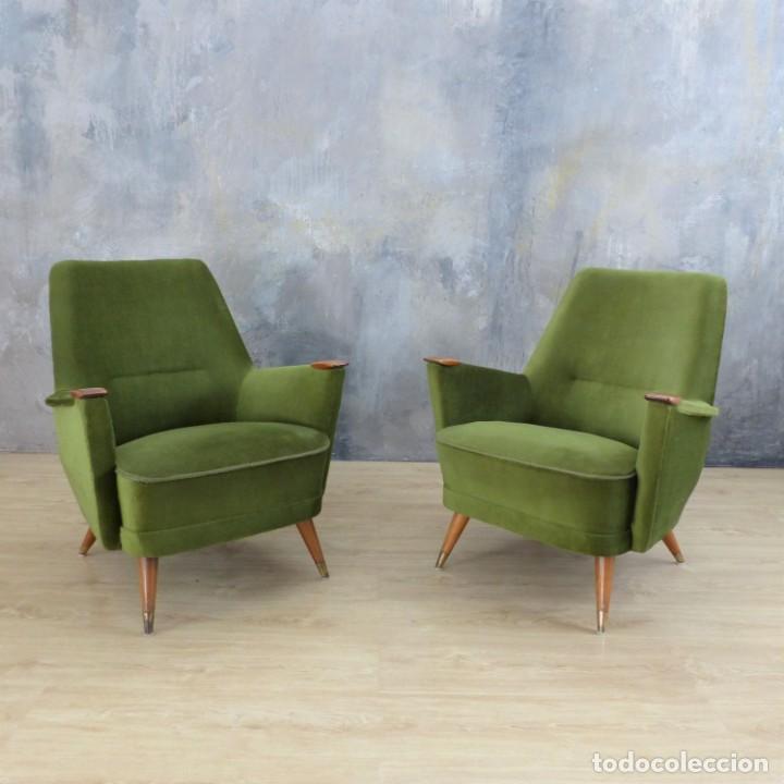 Vintage: Pareja de sillones vintage verdes con brazos de madera. 1950 - 1959 - Foto 13 - 155164914