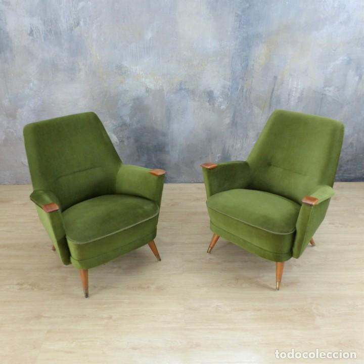 Vintage: Pareja de sillones vintage verdes con brazos de madera. 1950 - 1959 - Foto 15 - 155164914