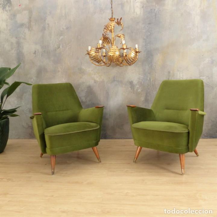 Vintage: Pareja de sillones vintage verdes con brazos de madera. 1950 - 1959 - Foto 16 - 155164914