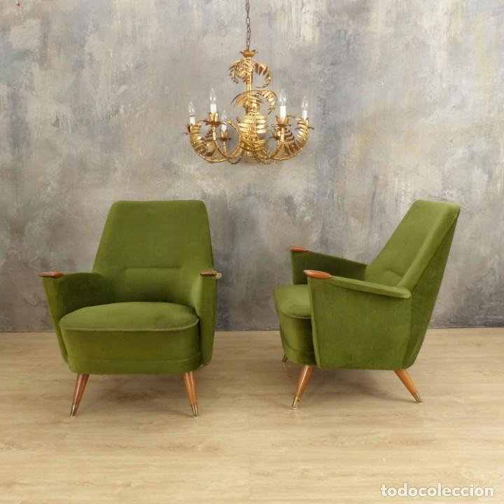 Vintage: Pareja de sillones vintage verdes con brazos de madera. 1950 - 1959 - Foto 17 - 155164914