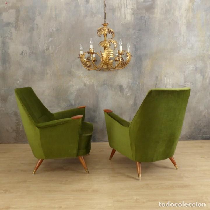 Vintage: Pareja de sillones vintage verdes con brazos de madera. 1950 - 1959 - Foto 18 - 155164914