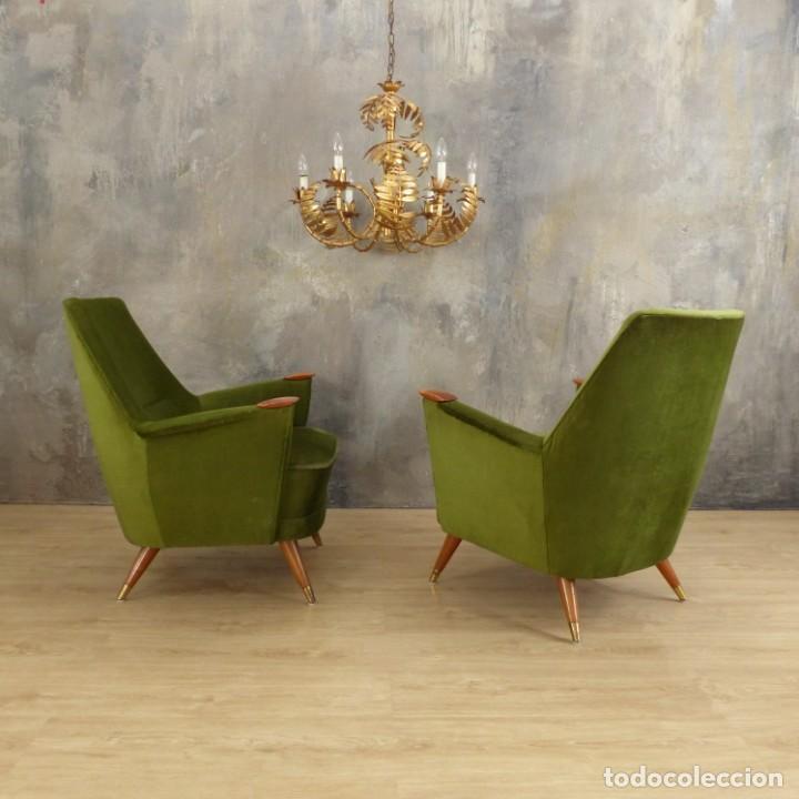 Vintage: Pareja de sillones vintage verdes con brazos de madera. 1950 - 1959 - Foto 19 - 155164914