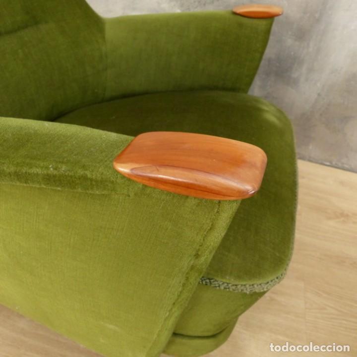Vintage: Pareja de sillones vintage verdes con brazos de madera. 1950 - 1959 - Foto 21 - 155164914