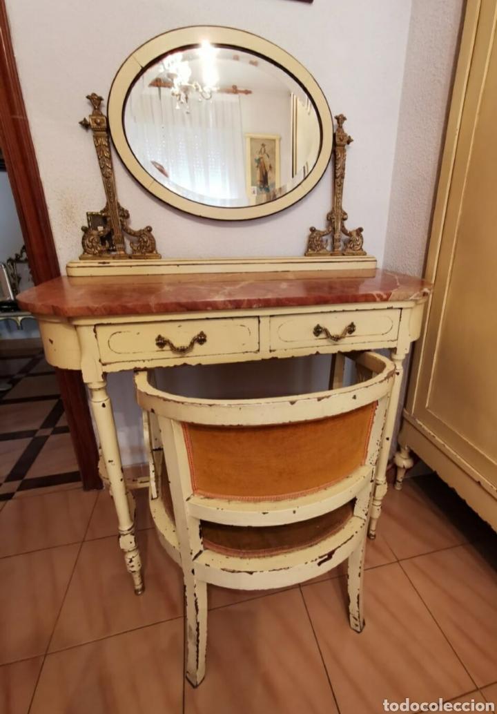 PRECIOSO TOCADOR ISABELINO. MADERA, BRONCE Y MÁRMOL. CON BUTACA A JUEGO. (Vintage - Muebles)