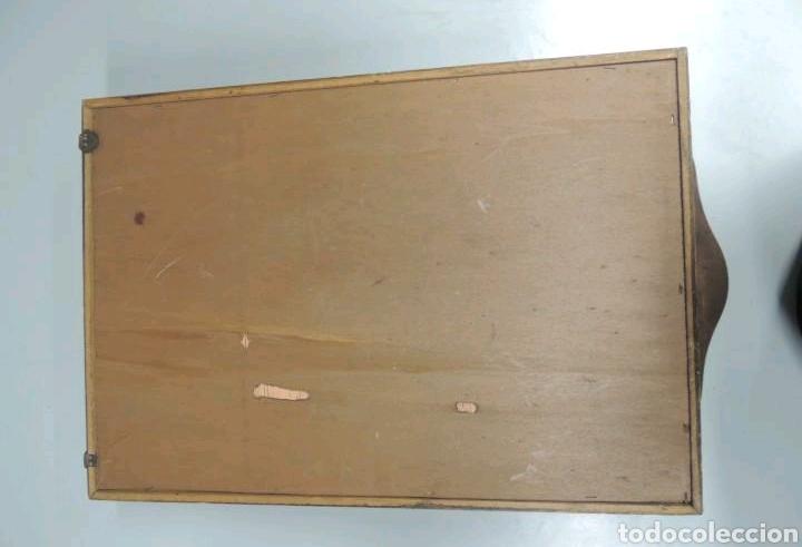 Vintage: Vitrina de colgar en madera de Haya con baldas de cristal - Foto 15 - 193848932