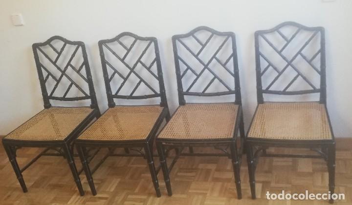 CUATRO SILLAS LACADAS EN NEGRO HACIA 1970 - 1980 (Vintage - Muebles)