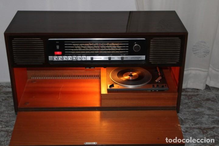 Vintage: Mueble radio tocadiscos de los años 70 funciona a 220v - Foto 2 - 194860790