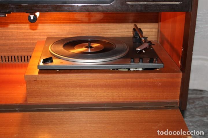Vintage: Mueble radio tocadiscos de los años 70 funciona a 220v - Foto 3 - 194860790