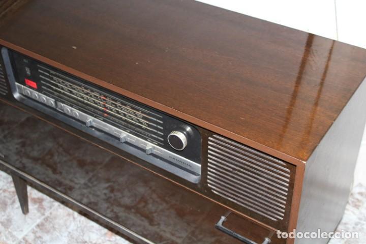 Vintage: Mueble radio tocadiscos de los años 70 funciona a 220v - Foto 4 - 194860790