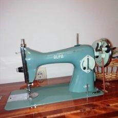Vintage: MAQUINA DE COSER ALFA DE 1969. Lote 194991535
