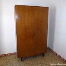 Vintage: ARMARIO ROPERO DE 2 PUERTAS Y CAJONES.. Lote 195150490