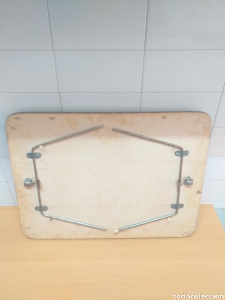 Vintage: Antigua bandeja plegable para servir en la cama - Foto 4 - 195278247