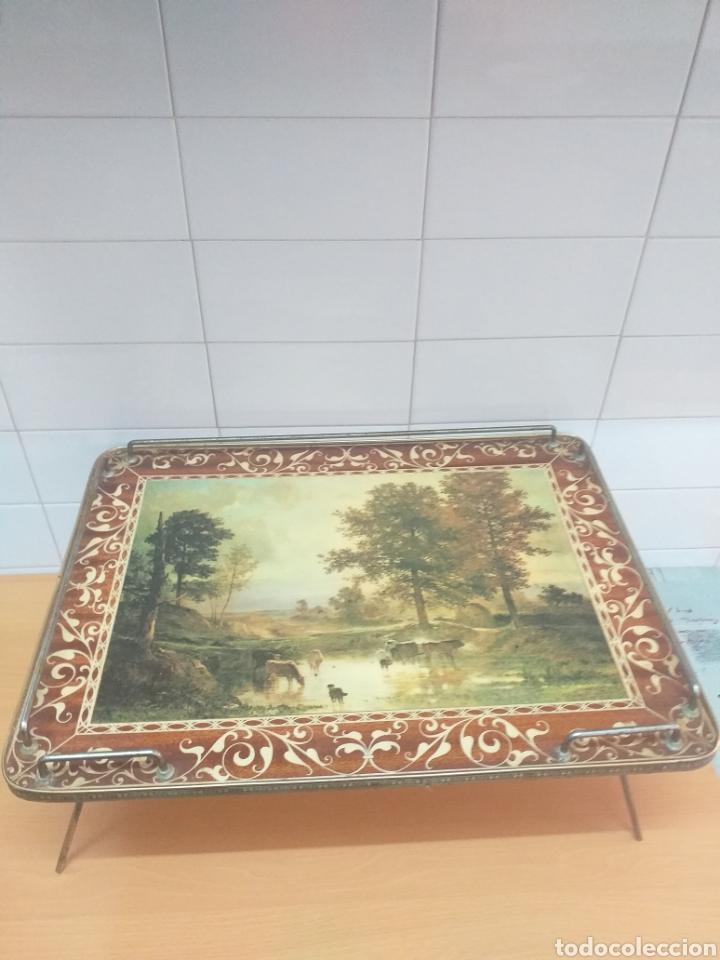 ANTIGUA BANDEJA PLEGABLE PARA SERVIR EN LA CAMA (Vintage - Muebles)