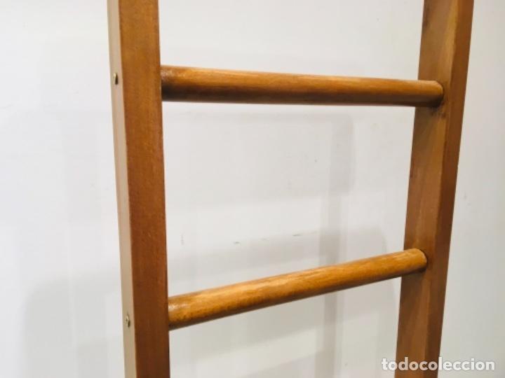 Galan De Noche Para Ropa Perchero De Madera Par Comprar Muebles Vintage En Todocoleccion 195445590