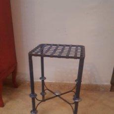 Vintage: TABURETE INDUSTRIAL BAJO. Lote 202988458