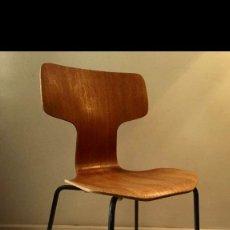 "Vintage: ARNE JACOBSEN, 2 CHAIRS, ""T-CHAIR"", MODEL NO 3103, FRITZ HANSEN, DENMARK.. Lote 203395942"