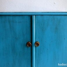 Vintage: MESILLA PINTADA DE LOS AÑOS 60. Lote 203880932