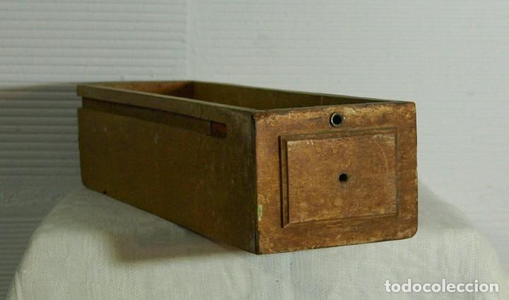 VIEJO CAJON EN MADERA DE MAQUINA DE COSER (Vintage - Muebles)