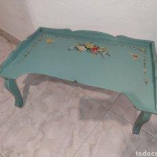 Vintage: ANTIGUA MESITA DE MADERA PLEGABLE PARA ENFERMO - PARA DESAYUNAR EN LA CAMA. Lote 213281225