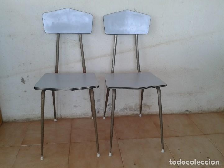 2 SILLAS FORMICA AZUL CLARO AÑOS 60 VINTAGE (Vintage - Muebles)