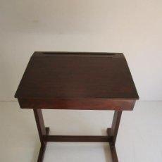 Vintage: PUPITRE - MADERA DE PINO - ANCHO - 58 CM, FONDO - 43 CM, ALTURA 71 - VINTAGE. Lote 218395551