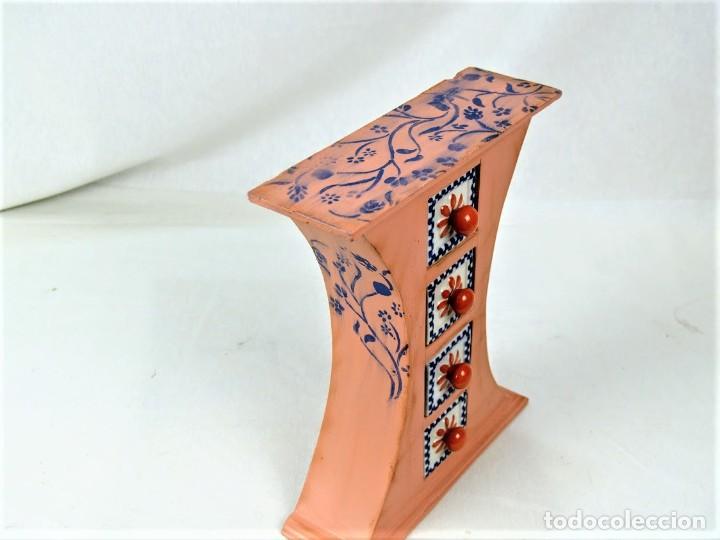 Vintage: Curioso mueble en madera con cajones en cerámica - Foto 5 - 218518610