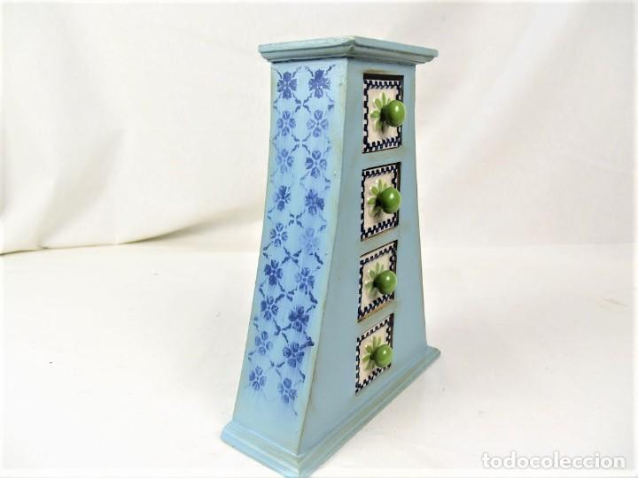 Vintage: Curioso mueble en madera con cajones en cerámica - Foto 3 - 218521837