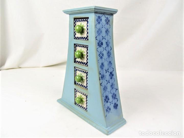 Vintage: Curioso mueble en madera con cajones en cerámica - Foto 4 - 218521837