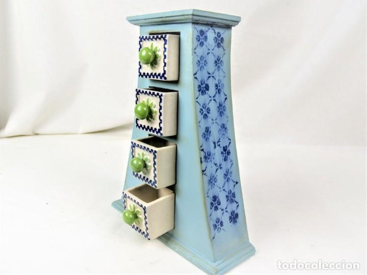 Vintage: Curioso mueble en madera con cajones en cerámica - Foto 5 - 218521837