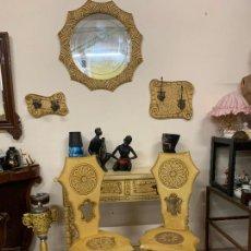 Vintage: PAREJA DE SILLAS EN MADERA TALLADA, VINTAGE - RETRO - KITSCH. DISPONEMOS DE MAS MUEBLES DEL CONJUNTO. Lote 218833125