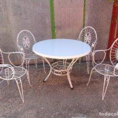 Vintage: MESA CON 4 SILLAS DE HIERRO VINTAGE, PARA JARDÍN.. Lote 219324698