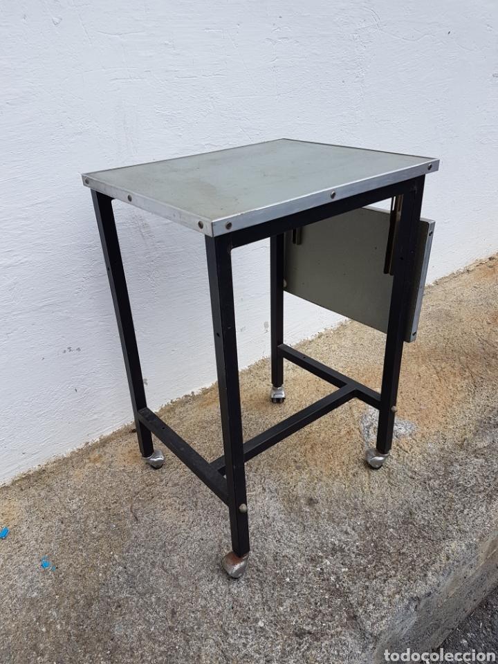 Vintage: Mesita auxiliar de taller u oficina antigua, de hierro a - Foto 2 - 219448383