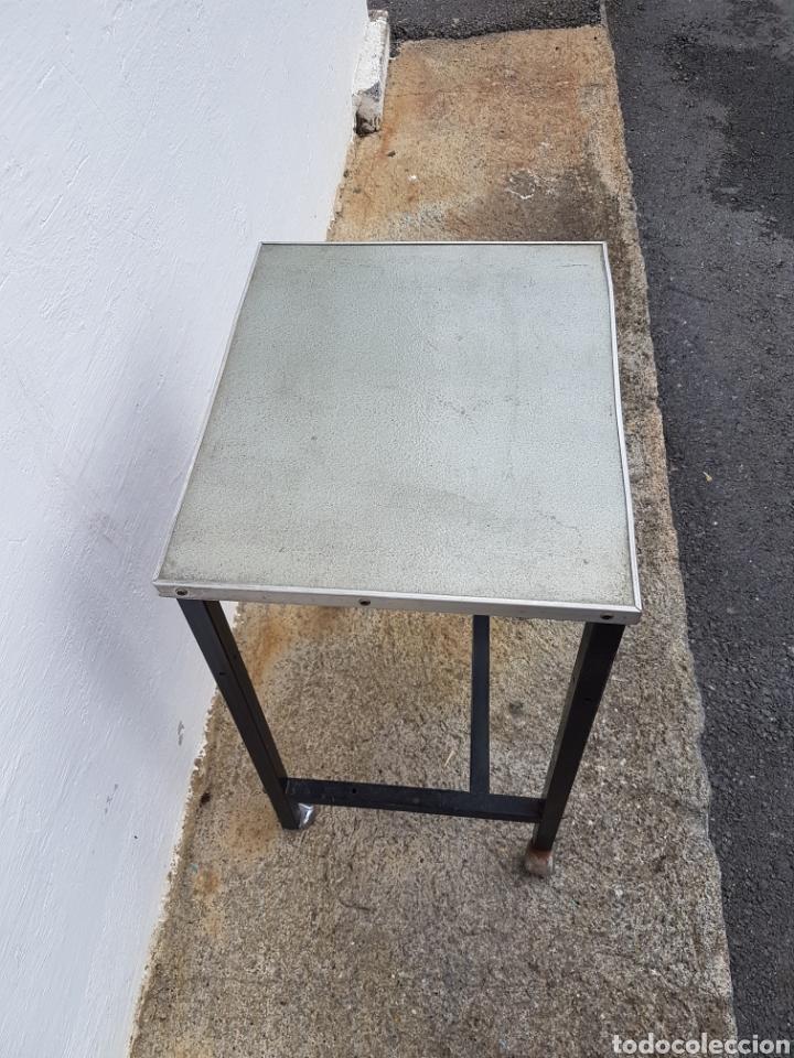 Vintage: Mesita auxiliar de taller u oficina antigua, de hierro a - Foto 3 - 219448383