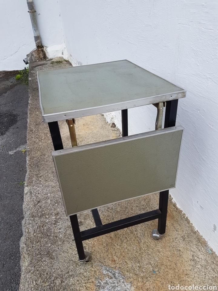 Vintage: Mesita auxiliar de taller u oficina antigua, de hierro a - Foto 4 - 219448383