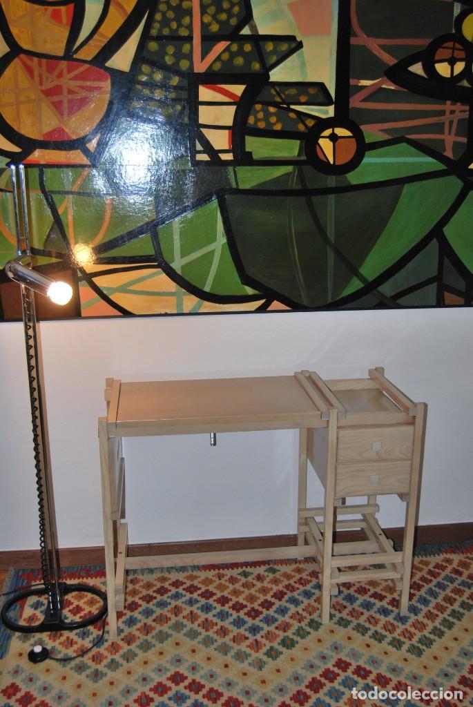 Vintage: ESCRITORIO DE MADERA - MESA DE DIBUJO O DE ARQUITECTO - DISEÑO TIPO GERRIT RIETVELD - SUIZA - C.1980 - Foto 29 - 220356493