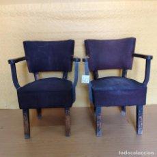 Vintage: 2 BUTACAS EN MADERA AÑOS 50-60 CON TACHUELAS, 6000-060. Lote 45684491