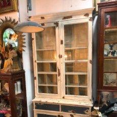Vintage: MUEBLE VITRINA ALACENA INDUSTRIAL EN MADERA PINO - MEDIDA TOTAL 239X110 CM. Lote 223921261